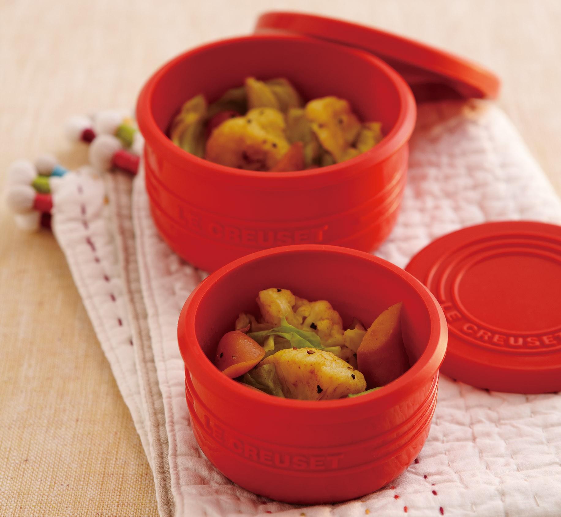 キャベツとソーセージのレンジ蒸しカレー風味