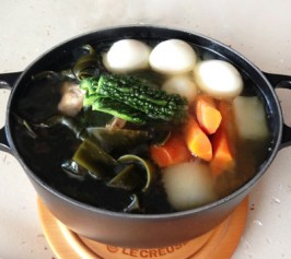 ソーキのチャンプルー鍋の作り方