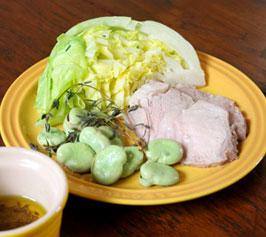そら豆とキャベツ、豚肉のハーブ蒸し