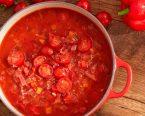 赤野菜をとろとろに煮込んだ真っ赤なミネストローネ