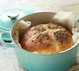 ル・クルーゼで焼くこねないパンの作り方